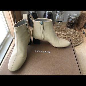 Everlane day boots in ecru